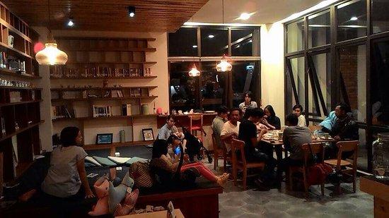 IMG-20170618-WA0003_large.jpg - Picture of Nimna Book Cafe, Bandung -  Tripadvisor