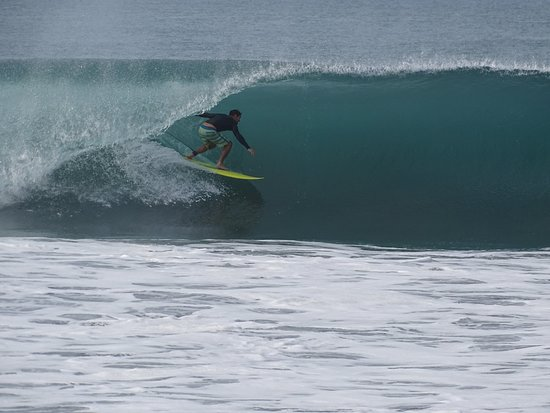 He'enalu l'ecole du Surf: Your surf instructor frontside in Mexico!