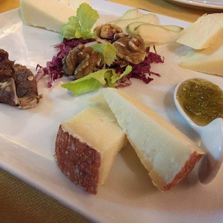 Trattoria Fiorella : Antipasto di formaggi