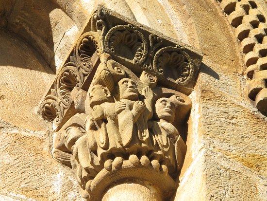 La Finca del Monasterio: Iglesia siglo X en Silió
