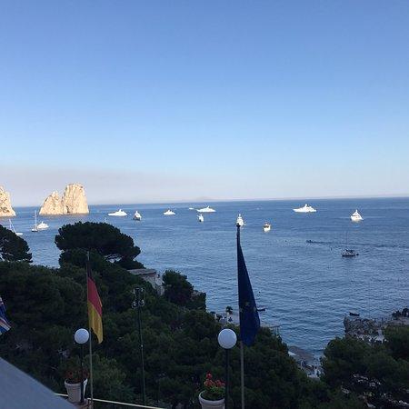 Hotel Weber Ambassador Capri: Hotel view