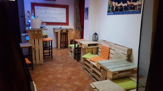 Gualdo Tadino, Италия: Bar Osteria da Mario Vineria