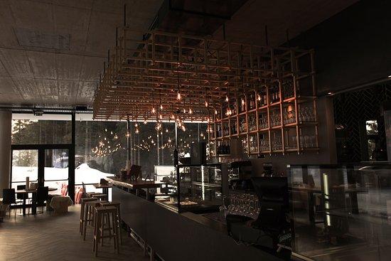Luis Diner: Bar und Restaurant Bereich