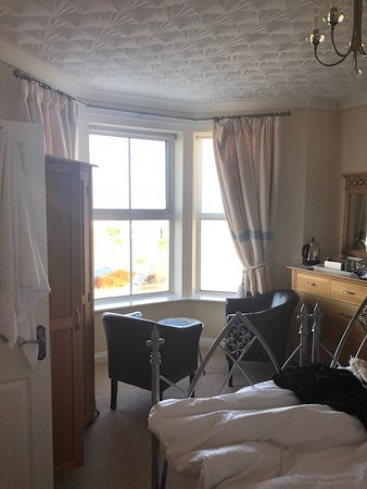 Perfect B&B for area, wonderful service, great breakfast, stay in room 2!