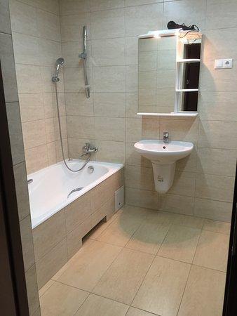 """Anosino, روسيا: Ванная номера """"Люкс с 2 спальнями"""""""
