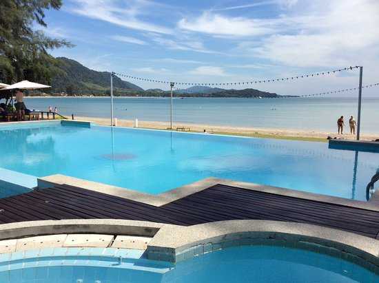 Twin Bay Resort: De to pools