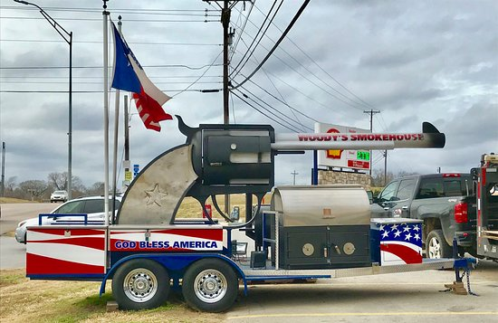 Woody's Mobile Smoker in Centerville, TX