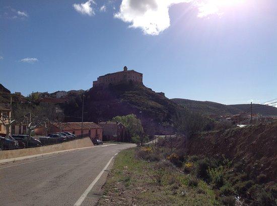 Hospederia Castillo Papa Luna : From a distance