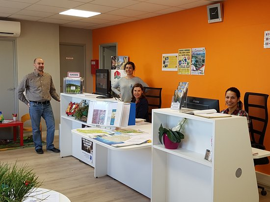 Equipe de l'office de tourisme de Gassin village