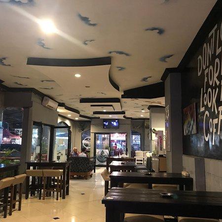 Koffie Hood Indonesia, Makassar  Ulasan Restoran. Open Kitchen Chinese. White Kitchen Pic. Diy Kitchen Bench Tops Qld. Kitchen Dark Counter Light Cabinets. Xiamen Kitchen & Bathroom Fair. Kitchen Remodels Utah. Kitchen Bar How To Build. Home Decorators Kitchen Nook