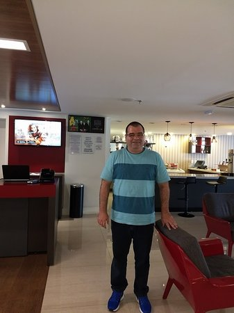 No lobby do Mercure Ribeirão Preto