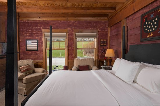 Chittenden, VT: A classic lodge room at Mountain Top Resort