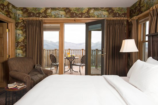 Chittenden, VT: A luxury lodge room with balcony at Mountain Top Resort