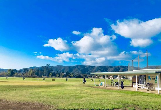 Murrieta, CA: All Grass Driving Range with Putting and Chipping Areas