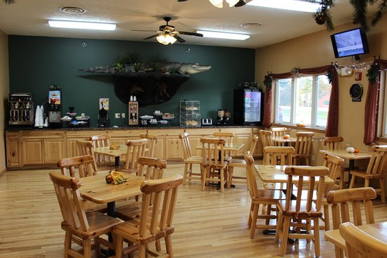White Pine Lodge: Complimentary Continental Breakfast