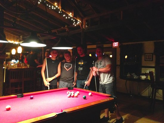 Stony Creek, NY: Shooting pool in our Tavern