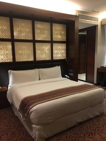 Un Très Grand Lit Picture Of Amari Doha Qatar Doha TripAdvisor - Tres grand lit design