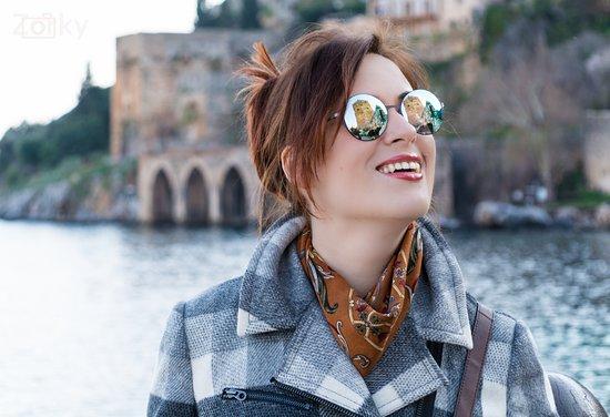Alanya Kalesi (Castle): Очень яркое солнце .места наикрасивейшие.Крепость Клеопатры