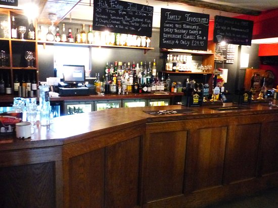Helperby, UK: The attractive traditional bar area