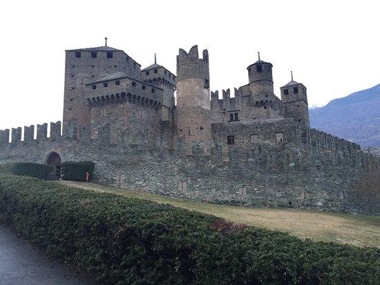 Fenis, İtalya: Panoramica del castello