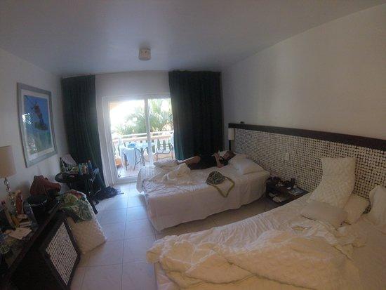 Hotel Villa Taina: messy room in morning