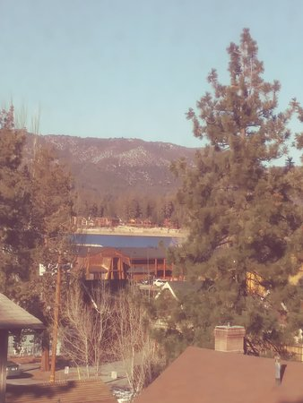 Knights Inn Big Bear Lake: Our view from our room.