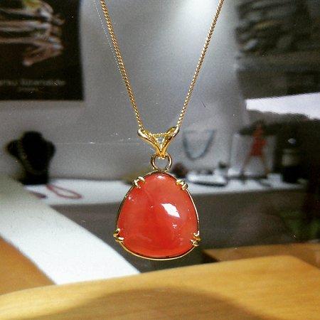 dbc7450f6093 Manu Lizarralde Joyas  INCA ROSE pendant Ortiz quality set in 18 carats  gold   Dije