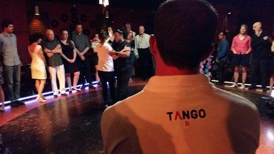 Tango 10: Clase con amigos de Brasil