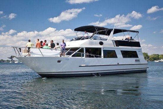 Lovely Tour Of Lake Minnetonka Review Of Wayzata Bay