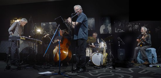San Diego jazz pros in action: Jim Plank, Bob Magnusson Tripp Sprague, Duncan Moore, Peter Sprag