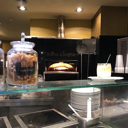 Restaurante italiano em centro comercial