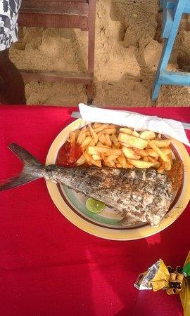 Lakka, Sierra Leone: Tasty fresh food cooked by the locals