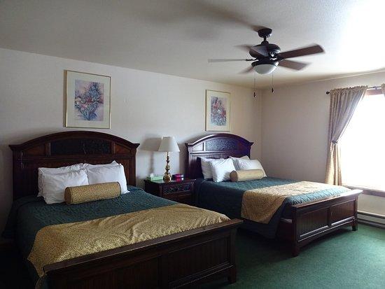 Chico Hot Springs Resort Foto