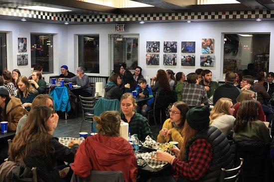 Columbia Falls, Монтана: Customers enjoying their burgers!