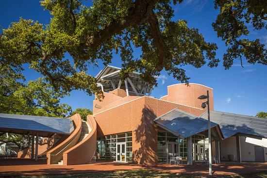 Biloxi, MS: Ohr-O'Keefe Museum
