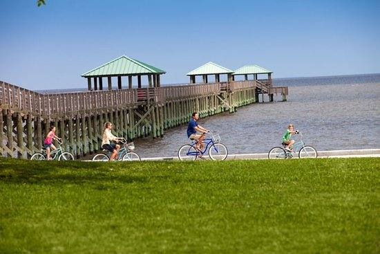 Things To Do in Gulf Islands National Seashore - Mississippi District - Davis Bayou, Restaurants in Gulf Islands National Seashore - Mississippi District - Davis Bayou