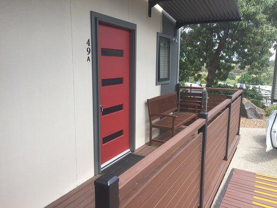 Attwood, Australien: Front door of the villa