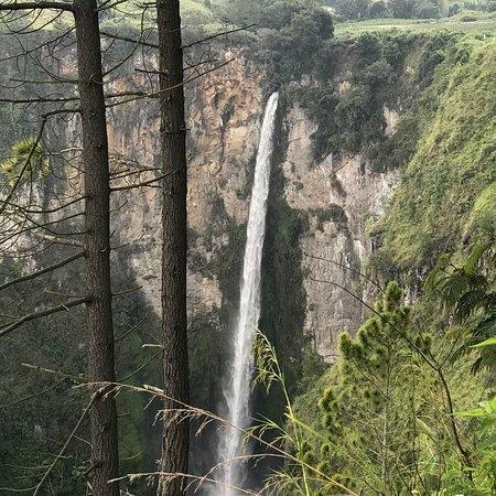 Sipiso Piso Waterfall: photo4.jpg