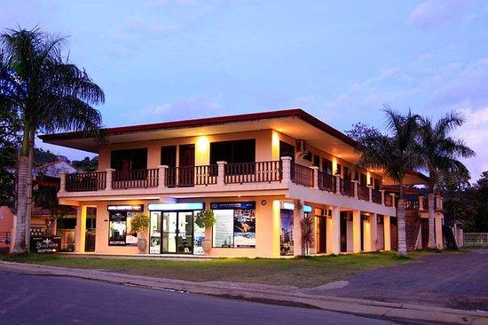 Blue Palm Hotel: Exterior