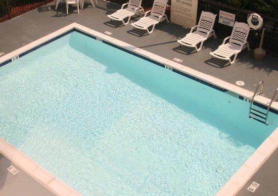 Henderson, NC: Pool