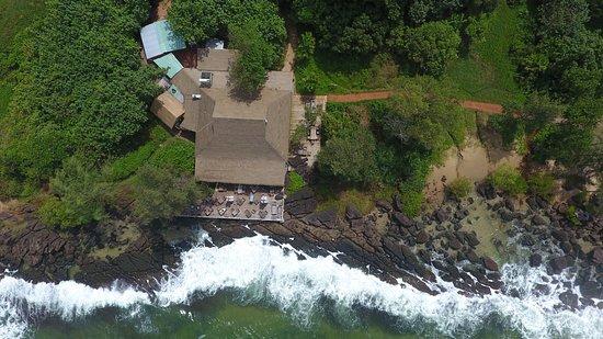Mango Bay Resort: On The Rocks Restaurant
