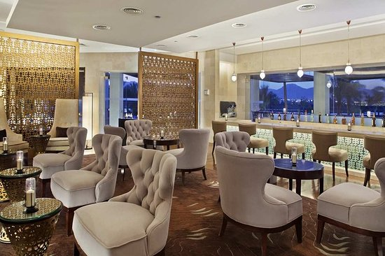 Hilton Luxor Resort & Spa: Bar/Lounge