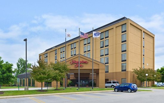 Hampton Inn Chicago-Carol Stream: Exterior