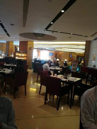 Radisson Blu Plaza Delhi Airport : TA_IMG_20180227_093946_large.jpg