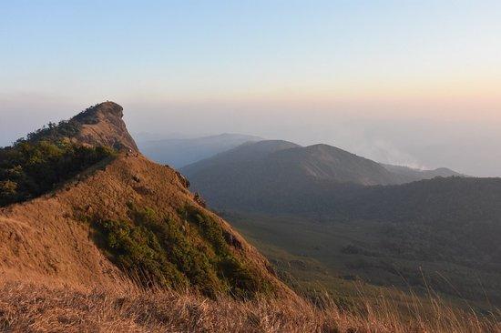 Omkoi, Thaïlande: ผาหัวสิงห์พระเอกของที่นี่