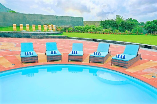 Swimming pool picture of spectrum hotel residencies udaipur tripadvisor for Hotel in udaipur with swimming pool
