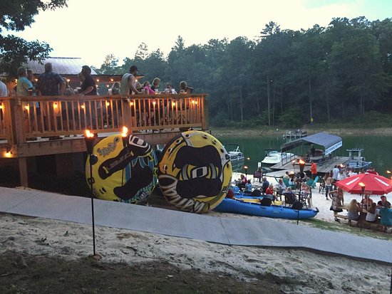 Blairsville, Geórgia: Party time on the beach