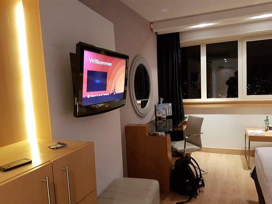Radisson Blu Hotel, Hamburg : 20180226_192354_large.jpg