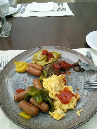 Metropol Palace, A Luxury Collection Hotel : Breakfast