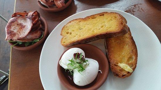 Australind, Australia: How breakfast is presented to you.